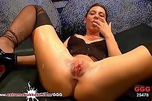 Julie Skyhigh Covered relating to Sperm - Extreme Bukkake