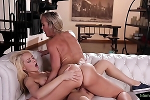 Stepdaughter beauty scissor drilled at the end of one's tether milf