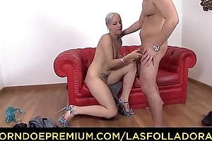 LAS FOLLADORAS - Amateurish dude gets picked in the matter of and fucked by Spanish pornstar Liz Rainbow