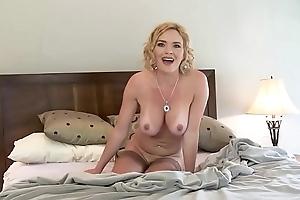 Joey Valentine Fucks Until She Squirts Pussy Hooch