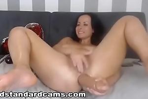 Goldstandardcams.com  Watch this web camera slut and her massive squirt skit