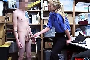 MILF LP officer Rachael Cavalli fuck a big cocked housebreaker