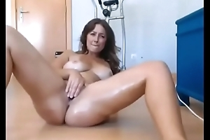 Gorgeous Amateur MILF With First-class Body Squirting On MILFWebcamShow.com