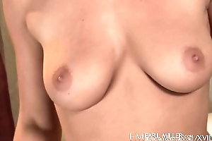 Perky Charlie Lynn Masturbates Hither Dildo Out of reach of Day-bed