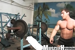 Muscle gay rimjob relating to cumshot